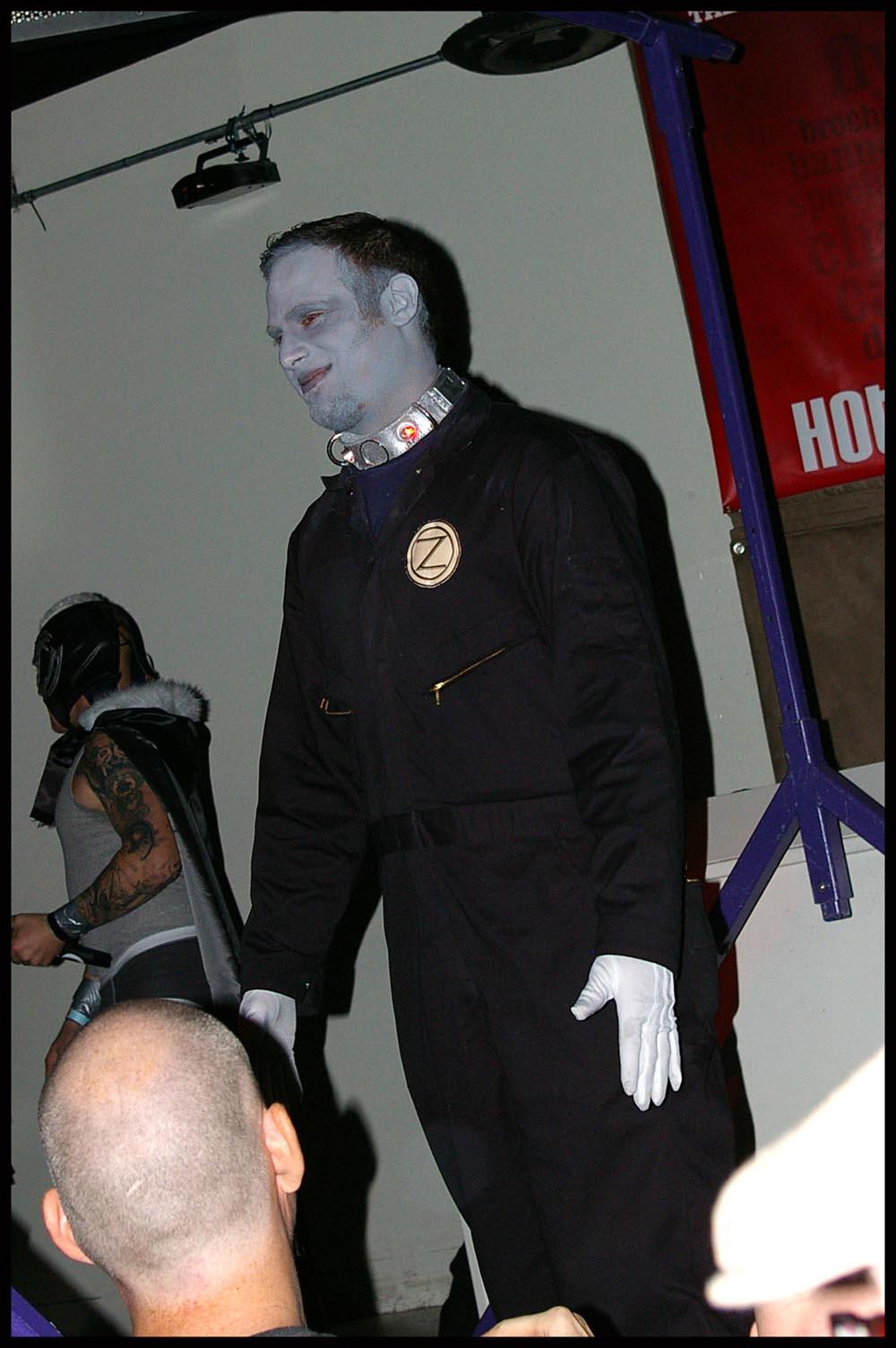 small costume fido